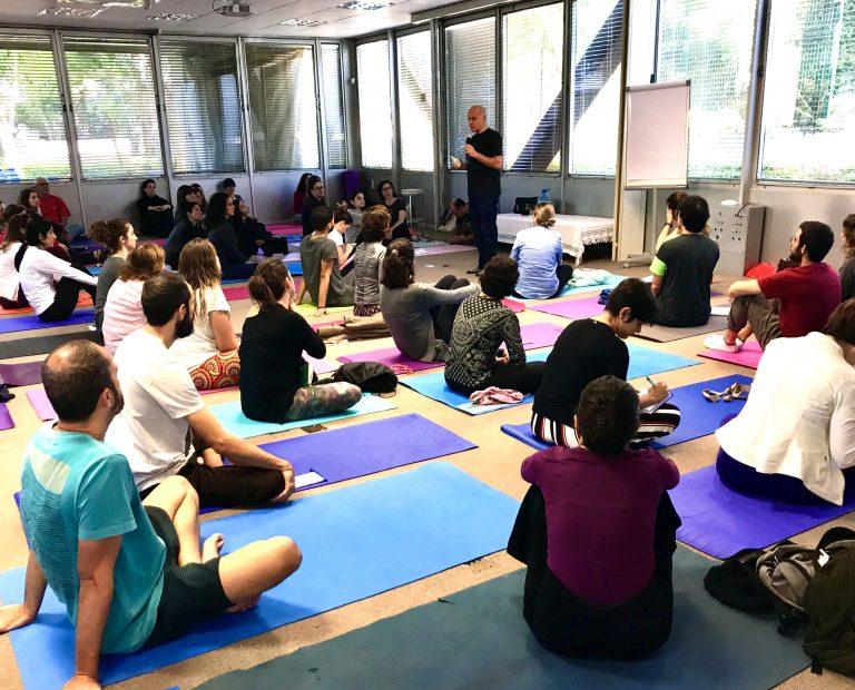 Capacitação em Yoga Semanal